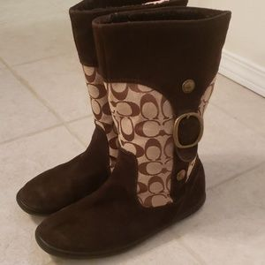 Coach classic winner boots size 9